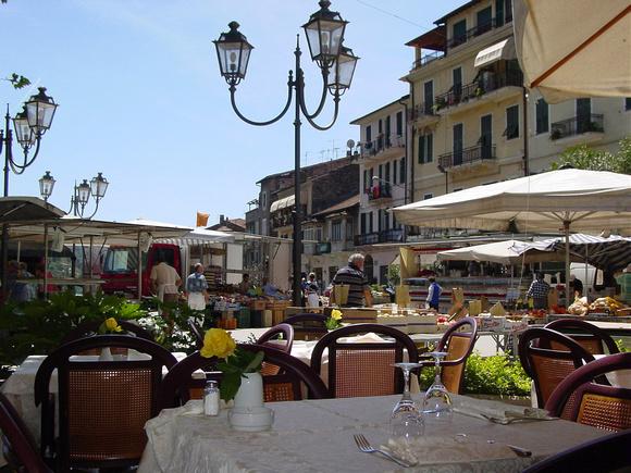 Dolceacqua, Italia. Home of Rossese di Dolceacqua